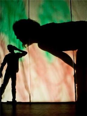 暑期艺术之旅:2018国家大剧院国际儿童戏剧季——澳洲纸幕影像游戏剧《光影奇妙夜》